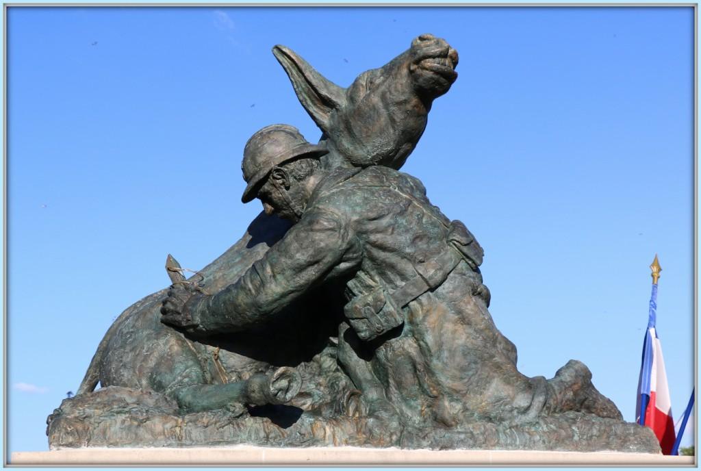 Statue_site-02